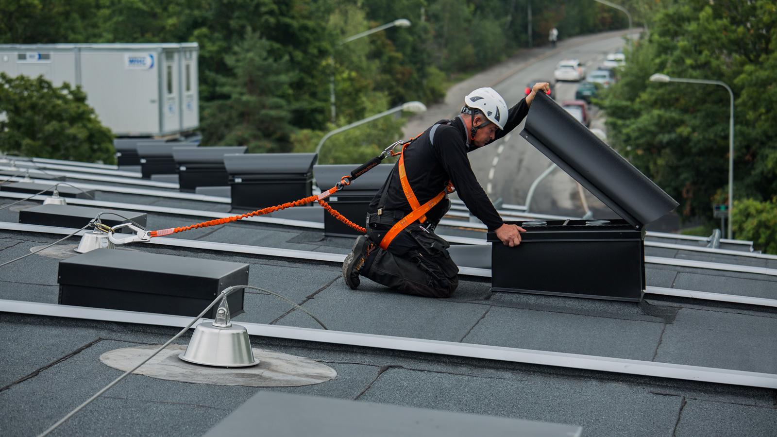 SecuRope na asfaltových a PVC střechách
